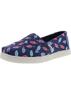 774ab2fd3ee TOMS Kids Classics (Little Big Kid)