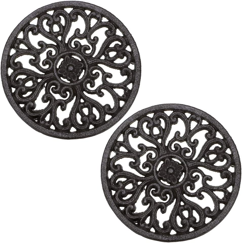 "Sumnacon 6.7"" Cast Iron Trivet, Decorative Round Trivet Mat Hot Pot Holder Pads with Vintage Pattern and Rubber Pegs/Feet for Rustic Kitchen Counter Or Dining Table (2 Pcs)"