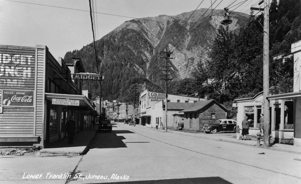 Juneau , Alaska – View of Lower Franklin Street 36 x 54 Giclee Print LANT-11210-36x54 36 x 54 Giclee Print  B01MG3J4AZ