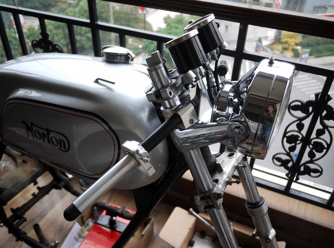 CNC Alluminio Moto Semimanubri 52MM per ZX7R 91-03//ZX9R 94-97// GSXR1100 91-94//Speed Triple 2007-2016//TZ250 Universale Forcella /Ø 52MM Semimanubri cafe Racer Inclinazione 8/° /Ø 22MM tubo Colore Oro