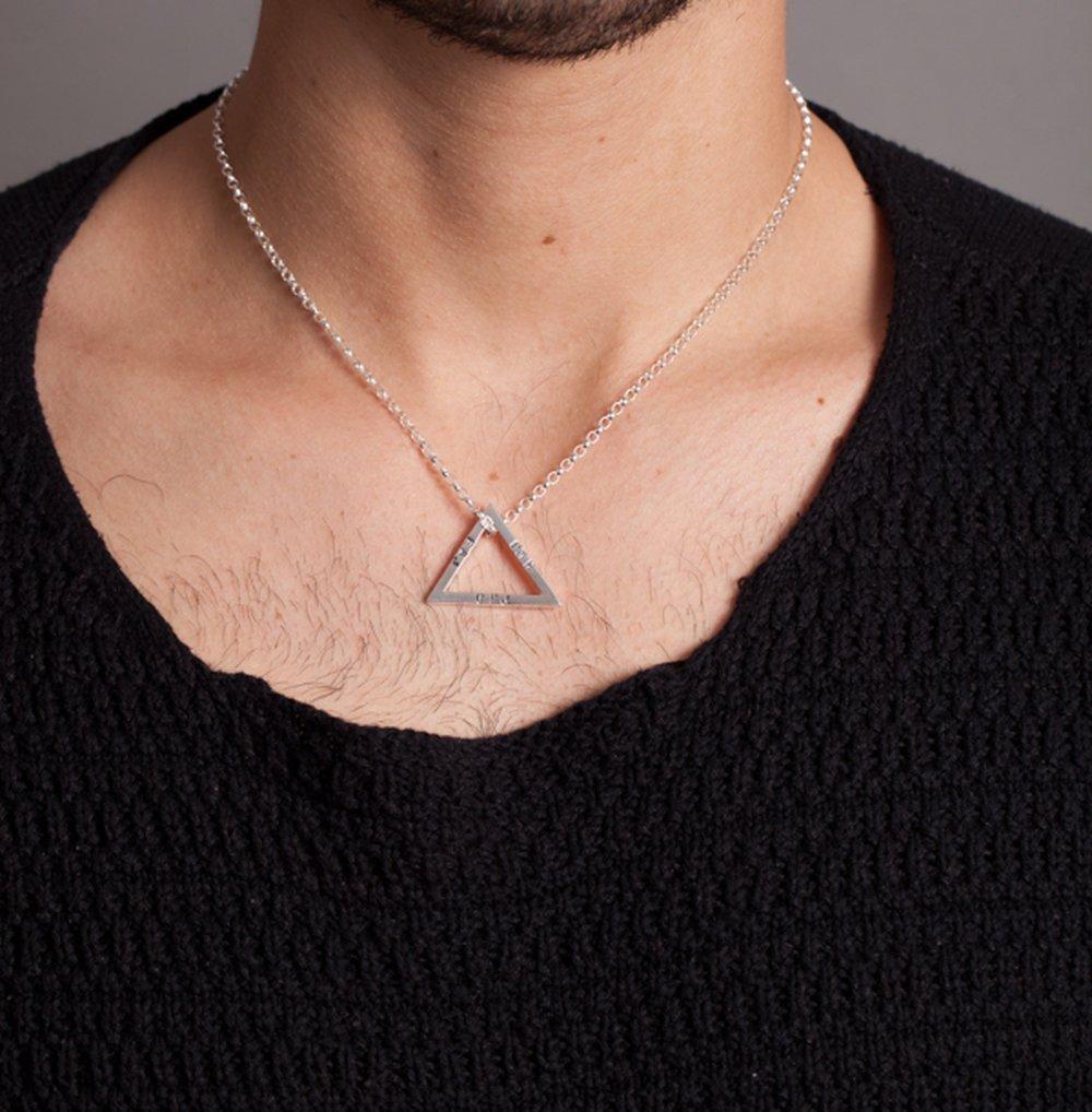 4b16ecb96 Colgante triángulo geométrico de plata esterlina personalizado para hombre.:  Amazon.es: Handmade