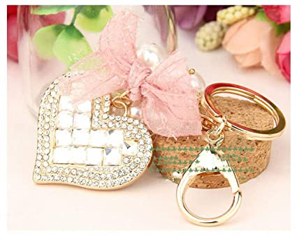Amazon.com  Womens Metal Ring KeyLock Heart Car Keychain Key Chain ... 4685e58b58