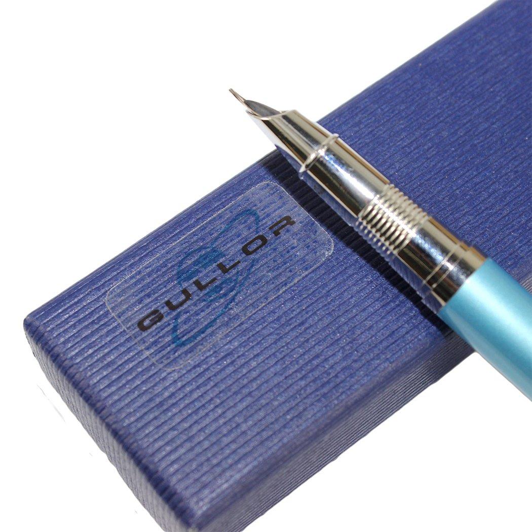 Gullor Advanced Slim fountain pen with Medium nib white