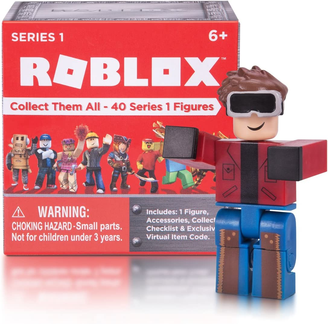 Amazon Com Roblox Series 1 Action Figure Mystery Box Toys Games