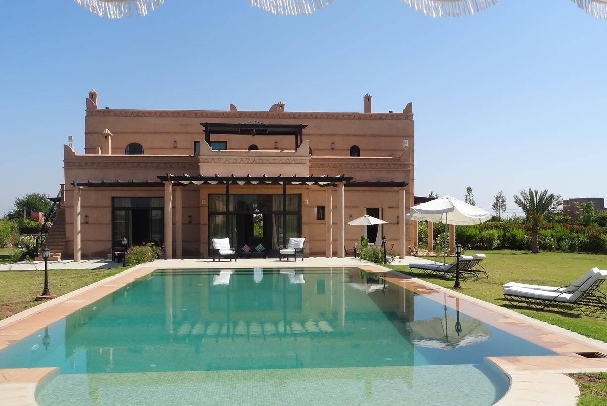 vacances au maroc Quality Prints - Laminated 35x24 Vibrant Durable Photo Poster - Les riads  et Villa en Location Pour VOS vacances a Marrakech au Maroc de lagence  Maisons