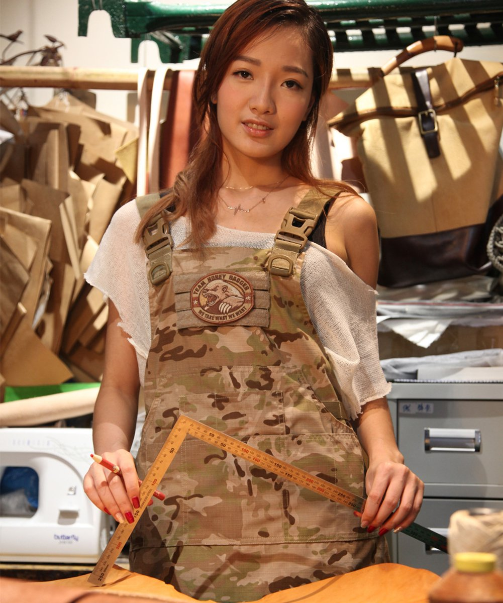 CyberDyer Male Female Tactical Working Apron with Tool Pockets Suitable for Outdoor Picnic and Daily Repair Work (Desert Camouflage) by CyberDyer (Image #2)