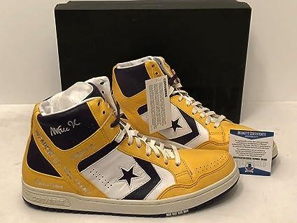 Magic Johnson Signed Converse Weapons Shoes quot 5x NBA Champ HOF  02 Showtime quot  e0721c200