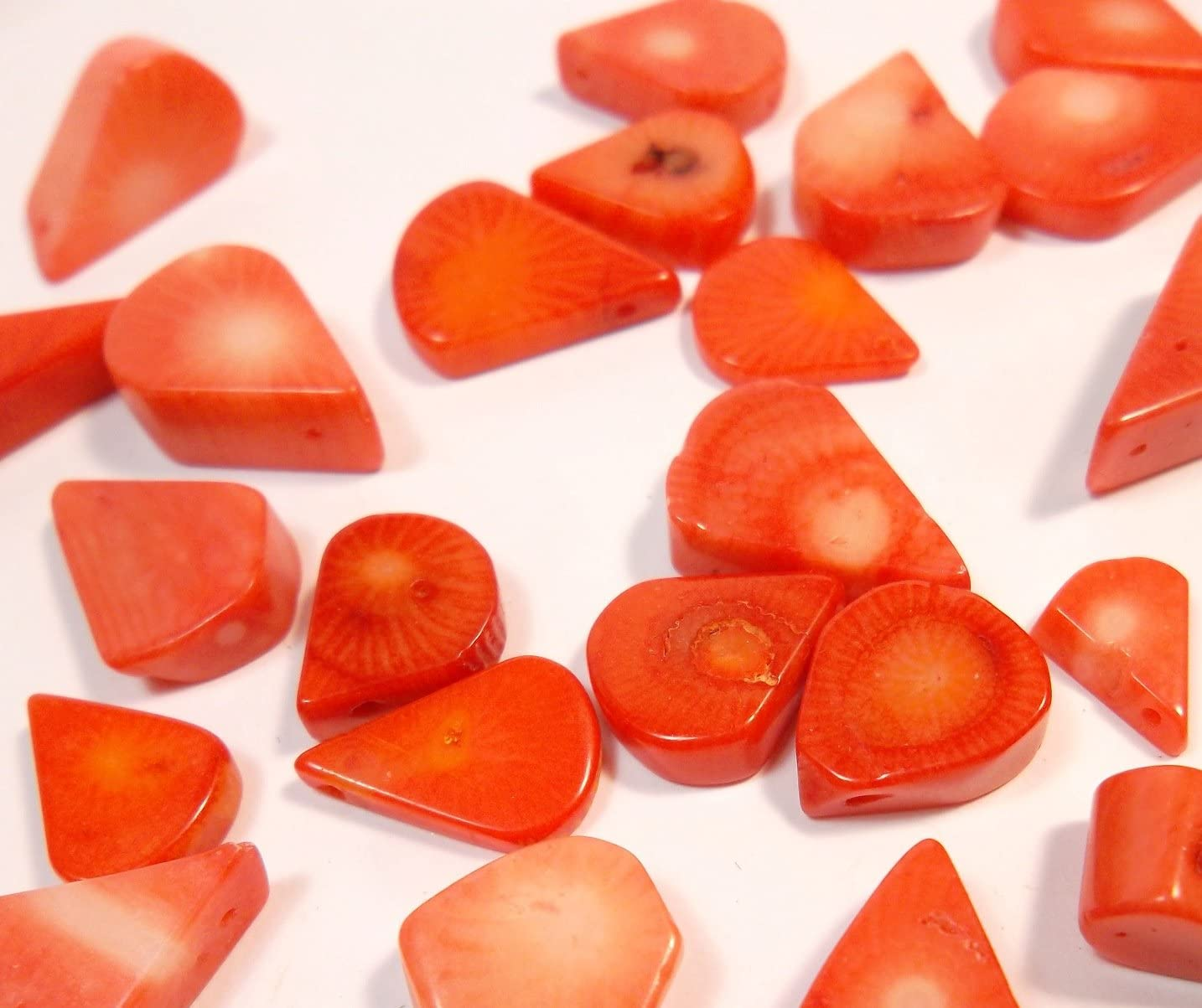 50g. Italiano Natural Perlas de Coral Rojo Koral Color Piedra Preciosa Piedra Natural Gota para Joyas Cadena Manualidades Coral Beads G641