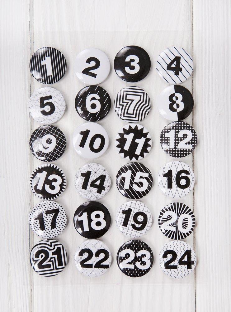Boutons à 24 pour calendrier de l'avent noir/blanc style shabby-adventskalenderzahlen bricoler soi-même, 1 à 24; autocollants patch macaron brodeur en aluminium avec une aiguille à l'arrière