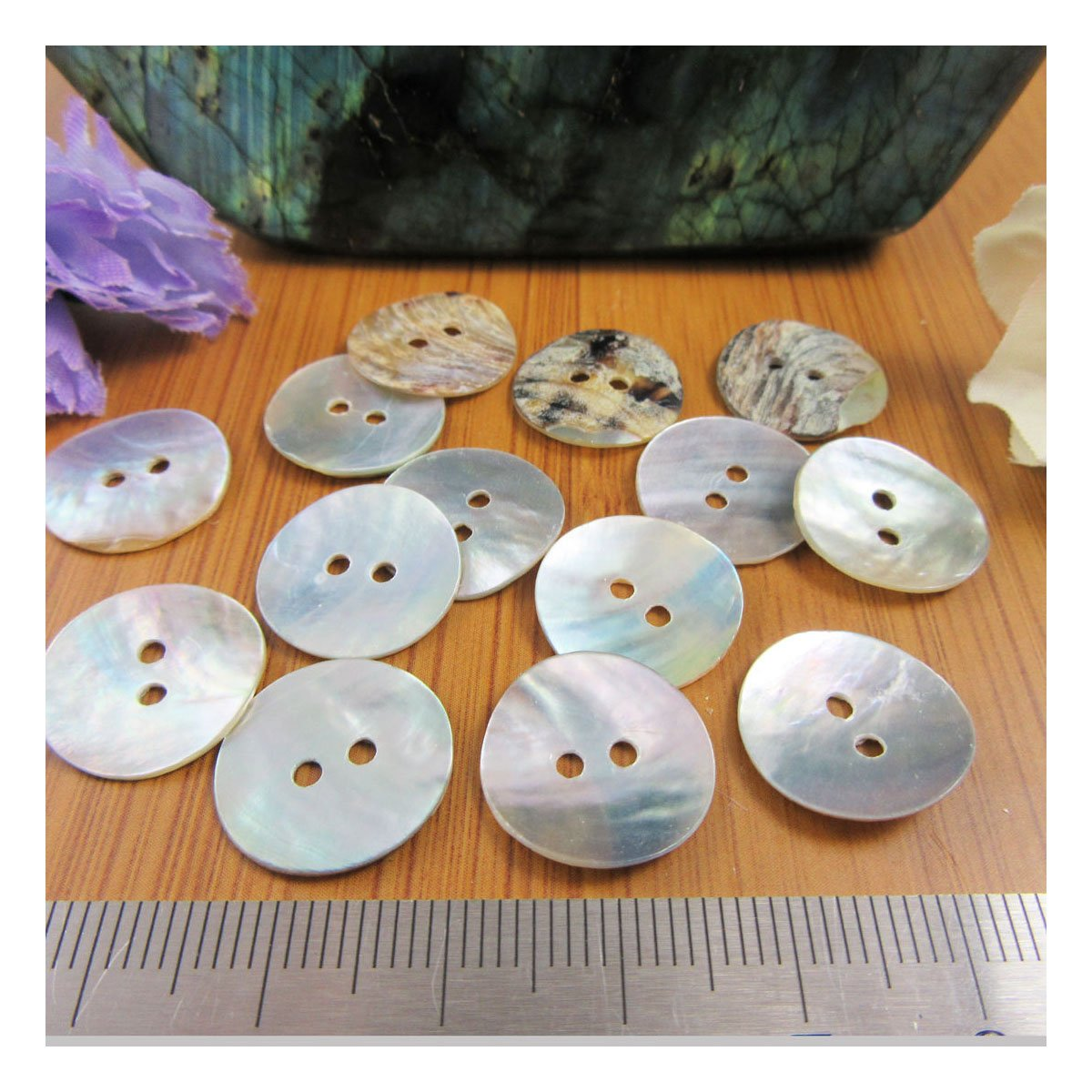 Beads4crafts MOTHER OF PEARL SHELL BUTTONS NATURAL PEARLESCENT * 9 SIZES * (9mm (40 pcs) H2502)