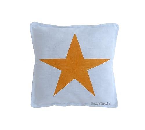 Cojín estrella color naranja para bebe de BeccaTextile.Ideal ...