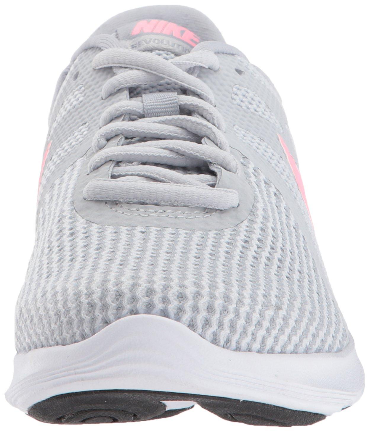NIKE WMNS Revolution 4 Running Shoe