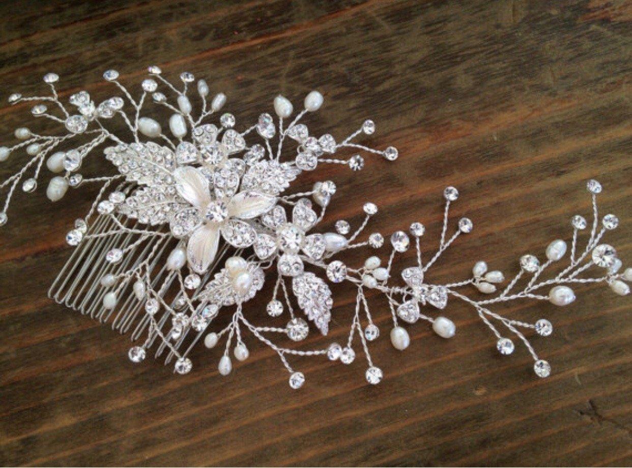 Bridal Hair Comb/fresh water pearls and Swarovski Rhinestones/hair piece/peineta para novia