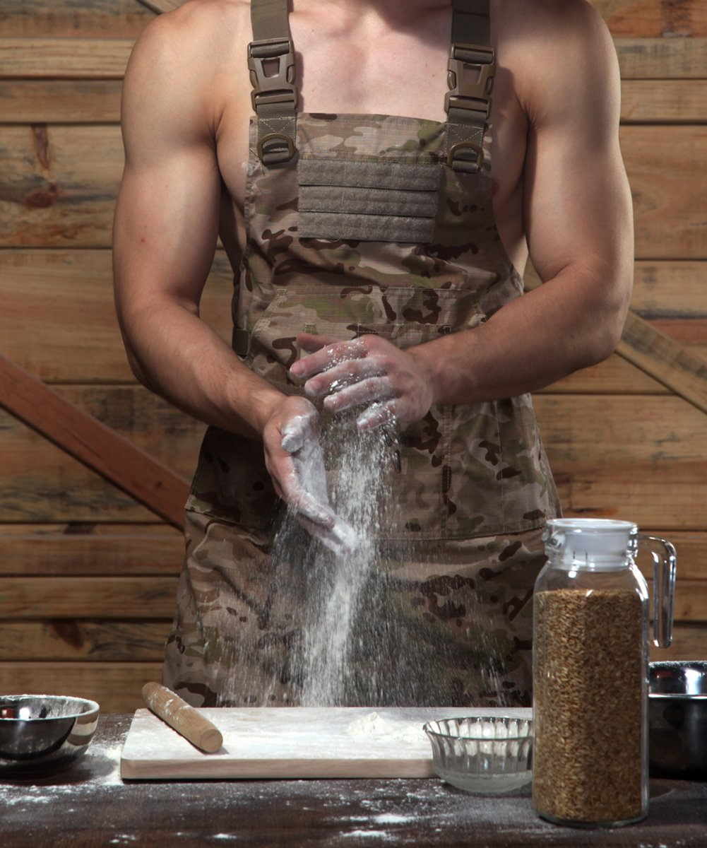CyberDyer Male Female Tactical Working Apron with Tool Pockets Suitable for Outdoor Picnic and Daily Repair Work (Desert Camouflage) by CyberDyer (Image #1)