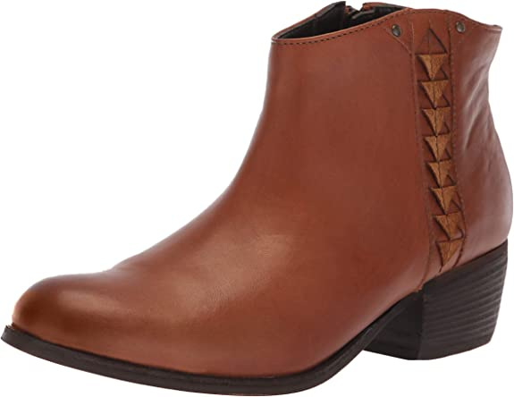 Clarks Women's Maypearl Fawn Fashion Boot