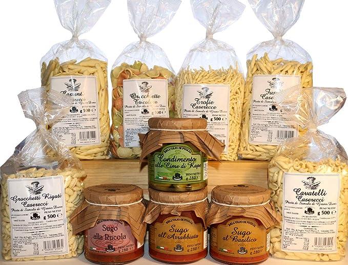 Productos típicos italianos de la región de Puglia. Pasta casera hecha de