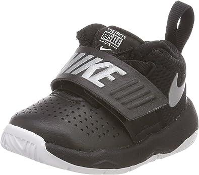 Nike Team Hustle D 8, Chaussures de Basketball Mixte Enfant