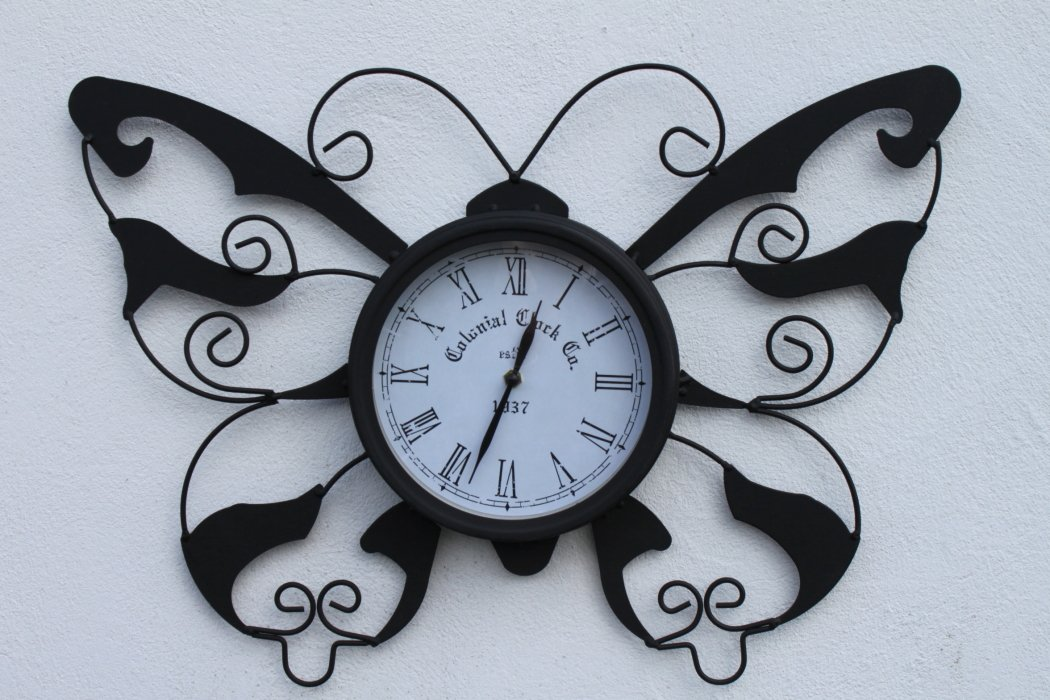 Butterfly Design Decorative Garden Clock WITH FREE BATTERY For Outdoor or Indoor Use
