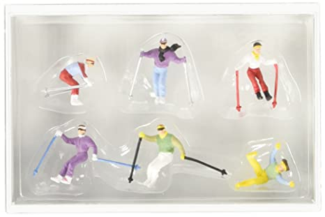 DOWN HILL SKIERS - PREISER HO SCALE MODEL TRAIN FIGURES