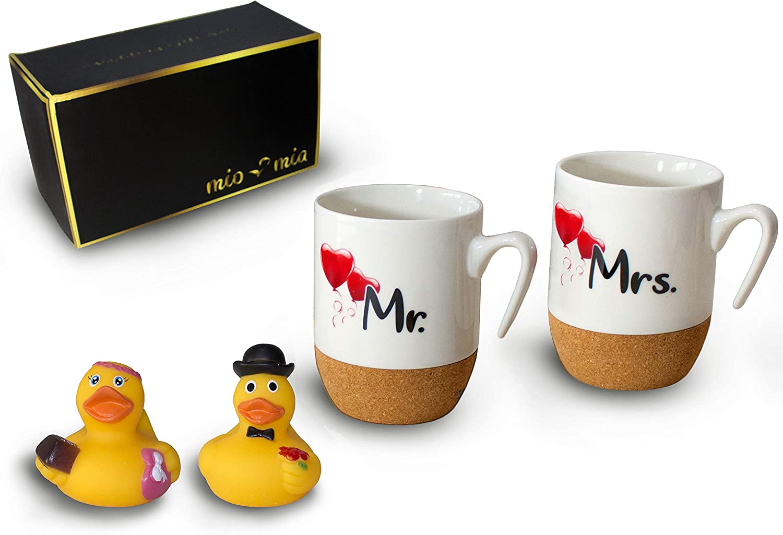 MIAMIO - Regalo para Pareja Nupcial Mr & Mrs/Set de Regalo de Boda/Tazas de Café Set con Corcho (Pareja)