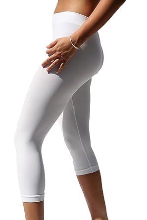Nikibiki Capri Leggings White O/S NS5081 at Amazon Women's ...