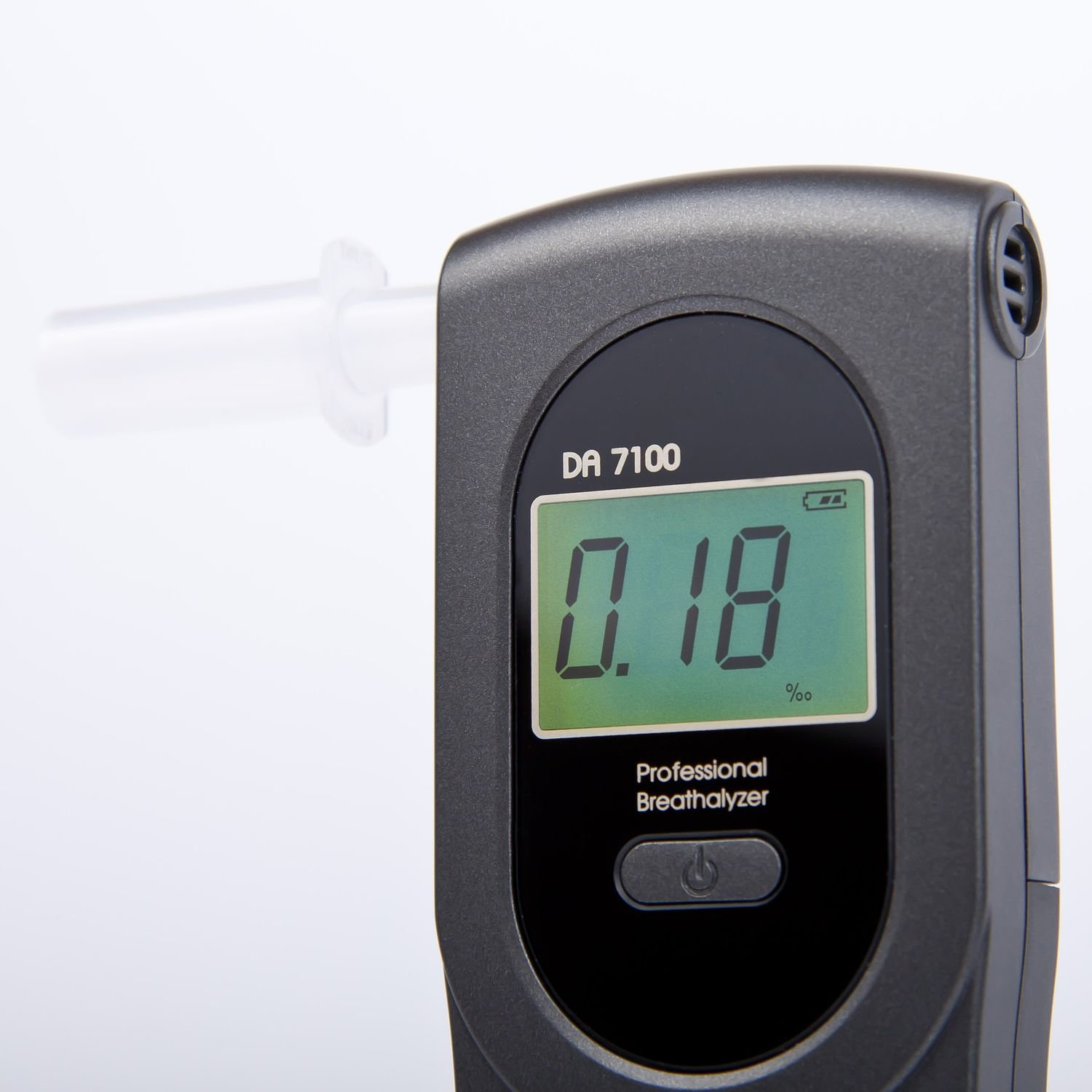 Best certified breathalyser AlcoFind DA-7100 / Best accuracy: 0.05 ‰ / Calibration every 500 uses or once a year SpyShop®