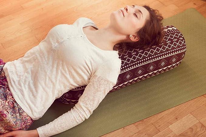 Amazon.com: #DoYourYoga - Cojín rectangular para yoga ...