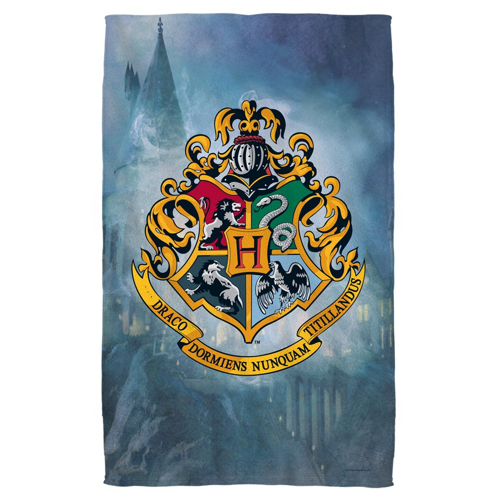 Hogwarts Crest -- Harry Potter -- Bath Towel (27'' x 52'')