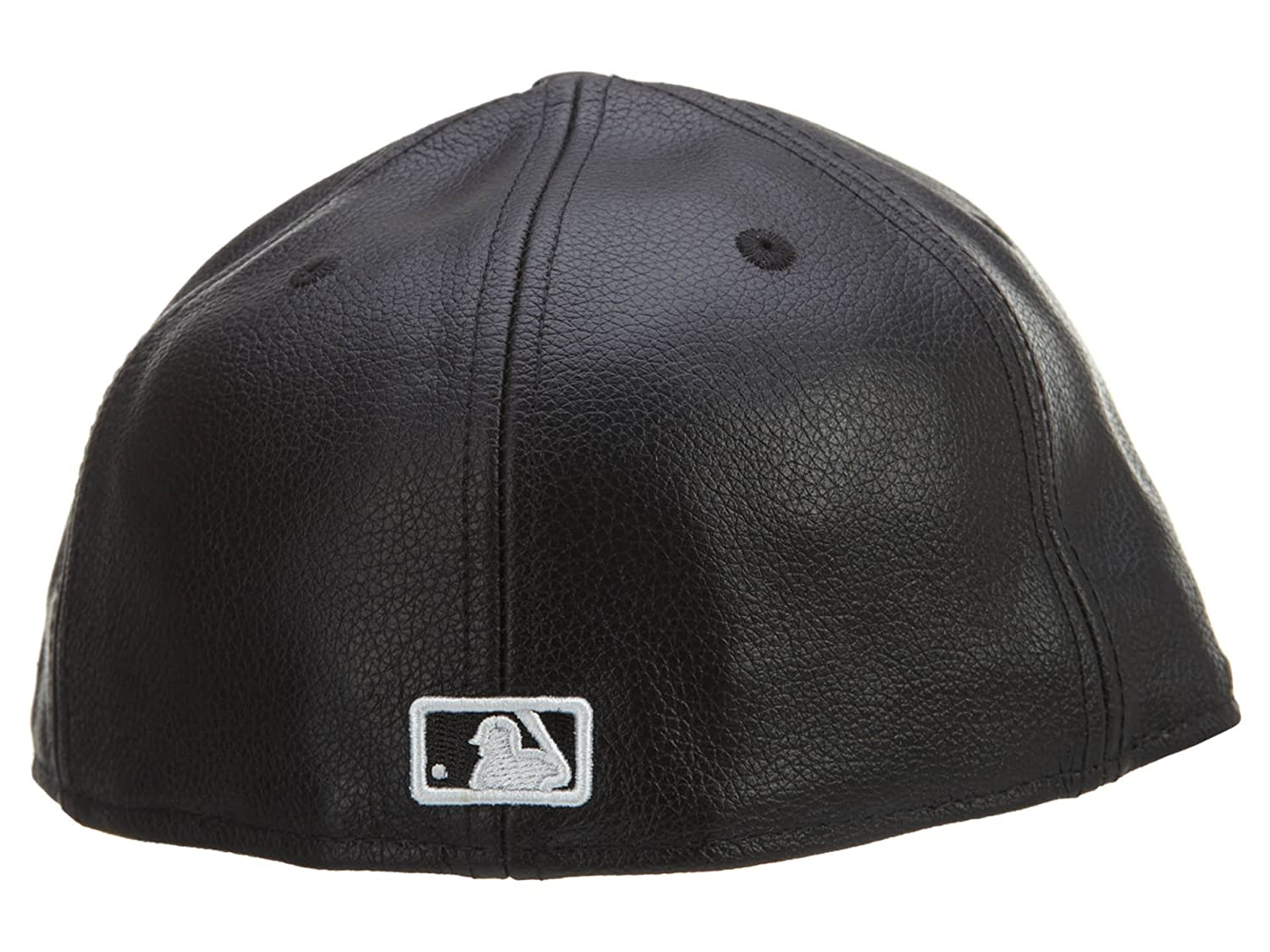 Amazon.com  New Era 59Fifty Leather New York Yankees Black Fitted Cap   Clothing 2a97022ed74