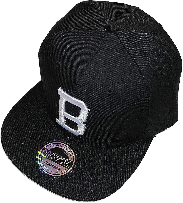 Cappellino con lettere dell/'iniziale Snapback con visiera nera e bianca.