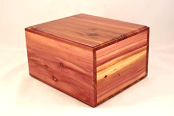 Traditional Table Top Cedar Chest Urn Keepsake Box By Quality Wood Urns  (Extra Large)