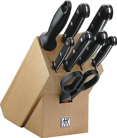 Componentes: 1 Cuchillo universal, 1 Puntilla, 1 Cuchillo filetear, 1 Tenedor para carne, 1 Cuchillo