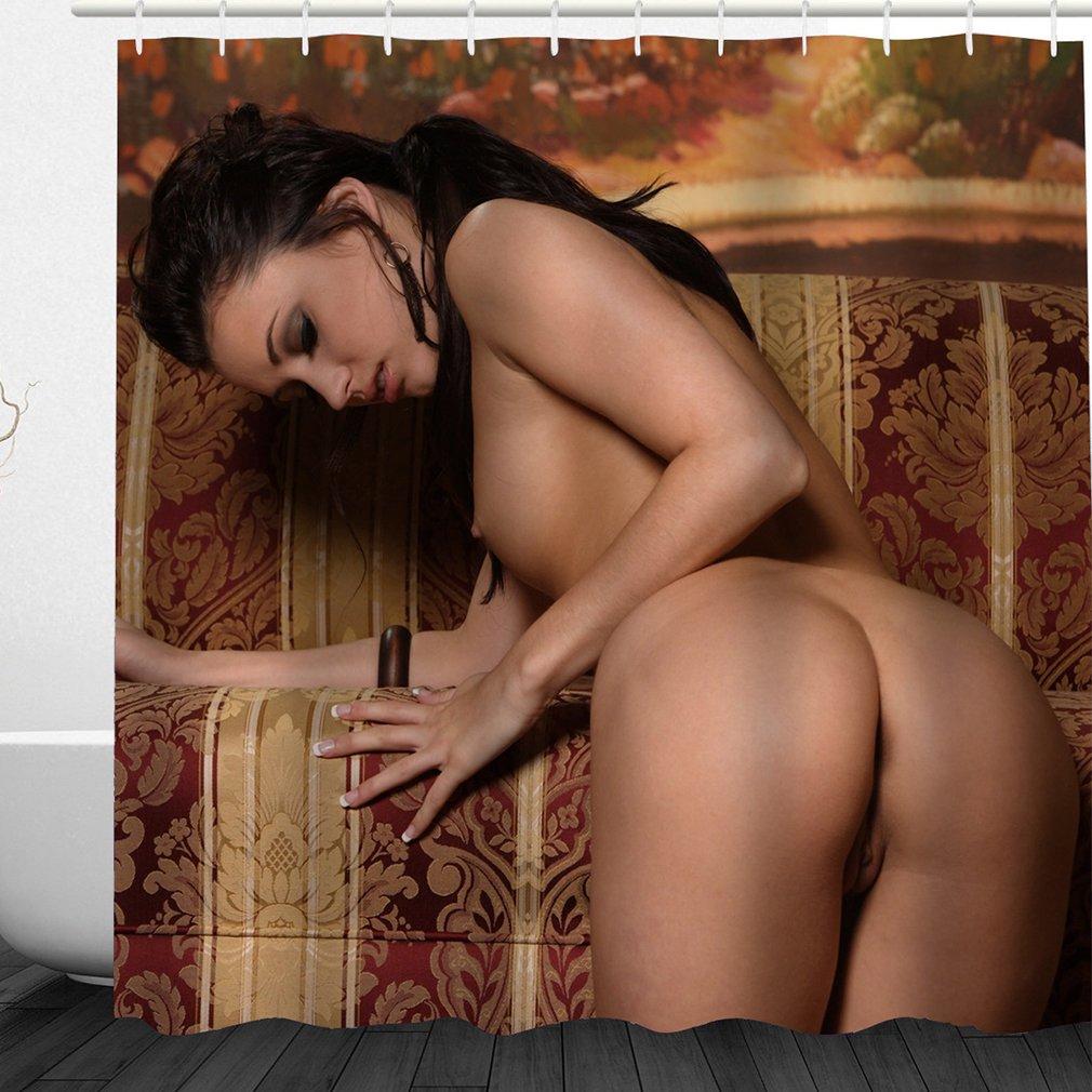 amateur nude girls spread