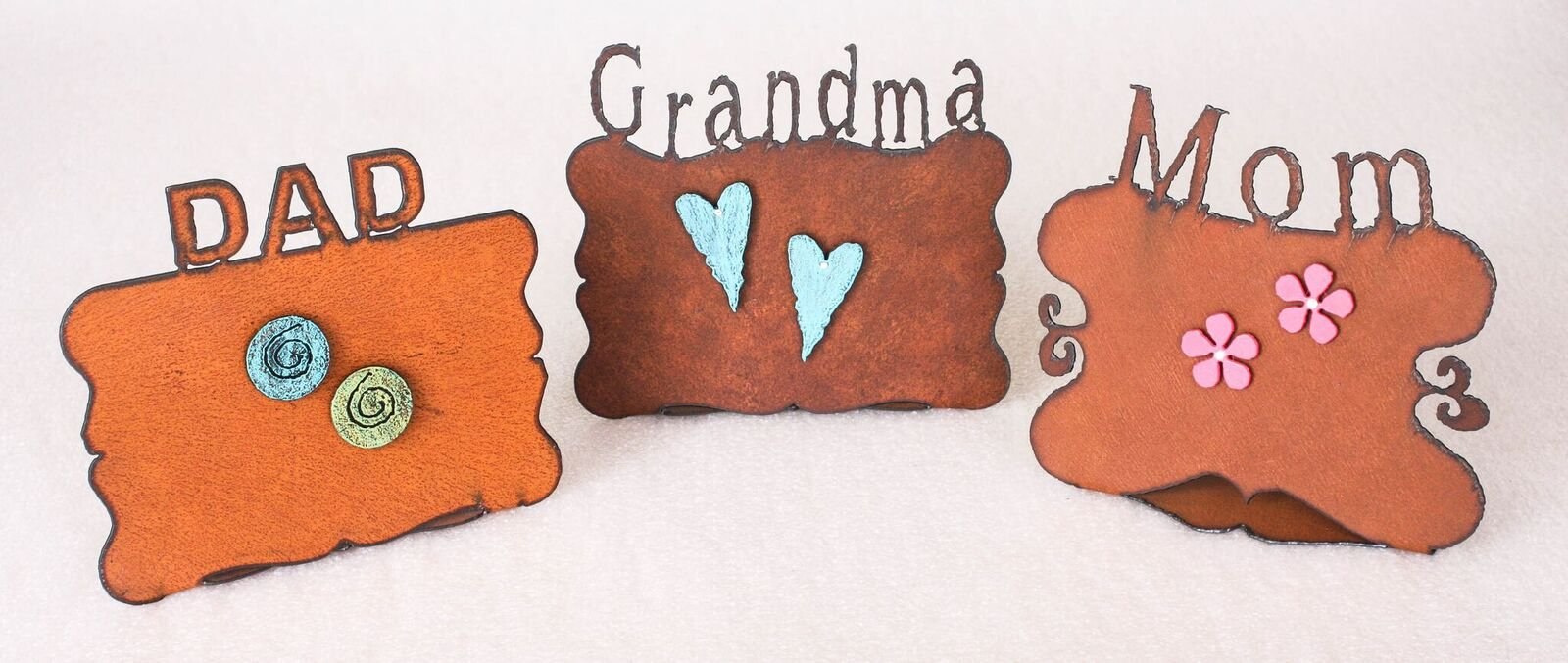 Mom Word Rust Picture Frame With 2 Metal Pink Flower Magnets With Bling