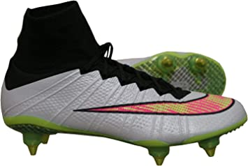 chaussure de foot a crampons nike