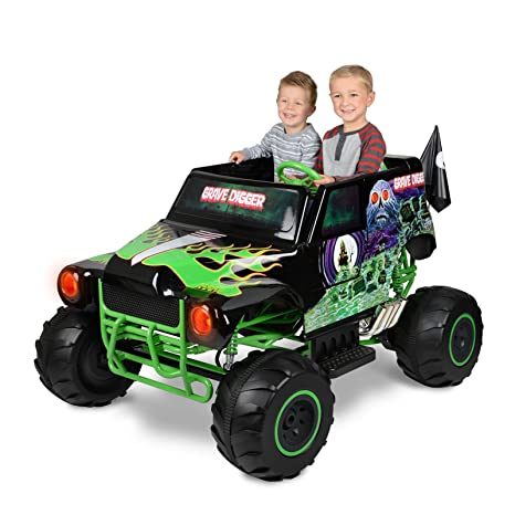 Amazon.com: Monster Jam Grave Digger 24-Volt Battery Powered Ride-On Car Outside Toys: Toys & Games
