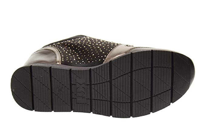 7ab2b37dc5315 XTI Zapatos Mujer Zapatillas con cuña 48513 Gris  Amazon.es  Zapatos y  complementos