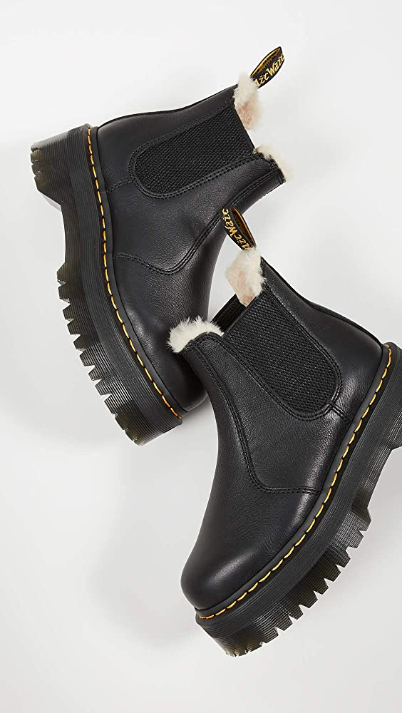 dr martens platform chelsea boots