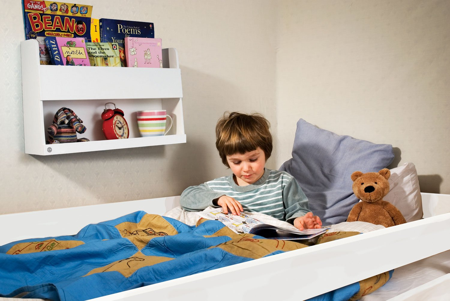Tidy Books ® -The Original Bunk Bed Buddy™, Bunk Bed Shelf in White. - Floating Shelves for Kids Storage next to Bunk Beds and Cabin Beds - Wooden Shelves - 33 x 53 x 12cm BBB-W