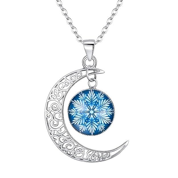 Collar de plata con Luna y Copo de nieve luminoso en noche, ideal para fiestas y bodas.