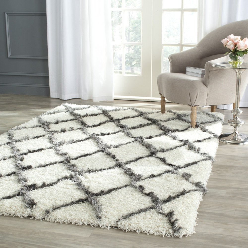 Amazon.com: Safavieh Moroccan Shag Collection MSG343A Ivory And Grey Area  Rug (4u0027 X 6u0027): Kitchen U0026 Dining