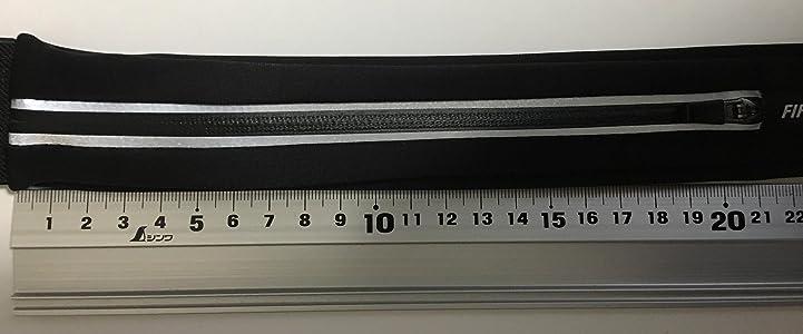 2口タイプはファスナー長21cm が2つ。 スケート時の貴重品入れとして購入。コンパクトでじゃまにならずとてもよい。