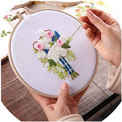 Flower Sewing Kit Floral embroidery hoop craft kit Easy Modern Stitch Sampler Ideal for Beginners Rose Bouquet Embroidery Kit