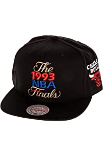 3c413fea484bf5 Mitchell & Ness Men's Chicago Bulls 1993 NBA Finals Commemorative Snapback  Hat