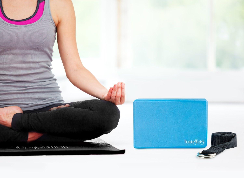 Amazon.com: HemingWeigh Essential Yoga Starter Set Kit ...
