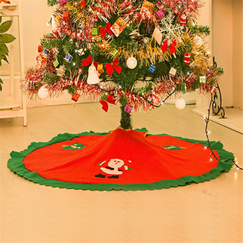 Un tappeto natalizio per base albero