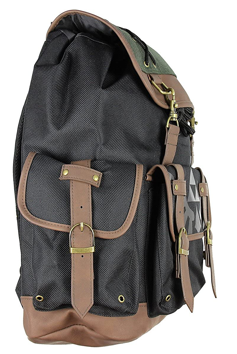 4896562e29 Amazon.com  Nintendo Zelda Link Ruck Sack W Metal Badge and PU Video Game  Accessory  Clothing