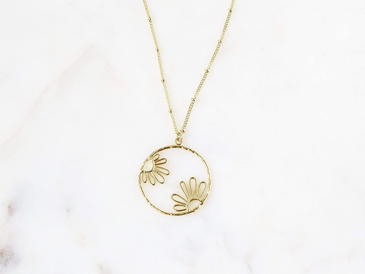 Daisy Flower Floral Charm Pendant Necklace Gift for Women Gold-Plated 20