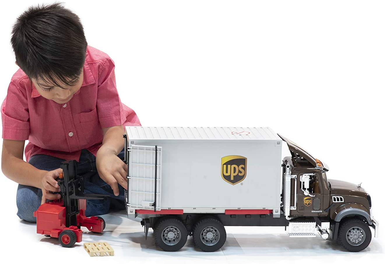 MACK Granite UPS Logistik LKW mit Mitnahmestapler   BRUDER
