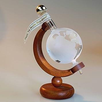 Flasche Weltkugel oder Globus auf Holzständer in Geschenkverpackung. leer